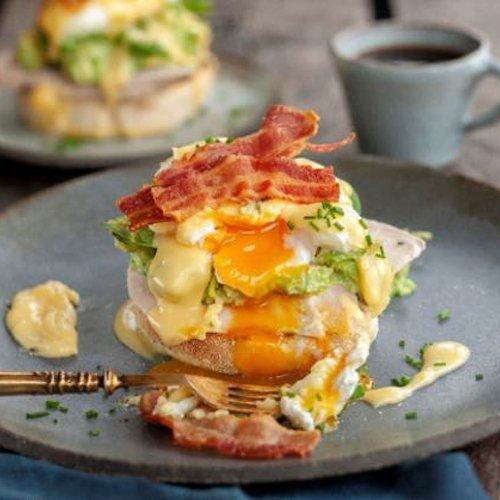 Turkey bacon eggs benedict